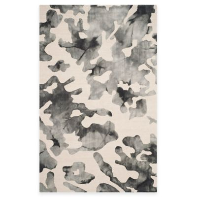 Safavieh Dip Dye Camo 5-Foot x 8-Foot Area Rug in Beige/Charcoal