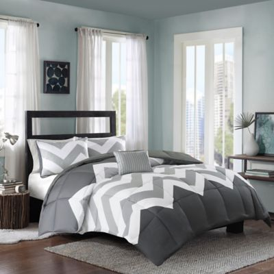 Intelligent Design Cade 4-Piece Reversible Full/Queen Comforter Set in Aqua