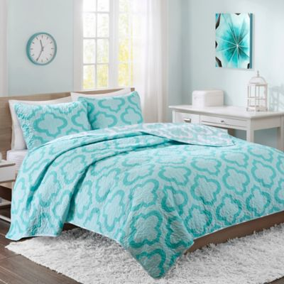 Intelligent Design Pilar Reversible Twin/Twin XL Quilt Set in Aqua