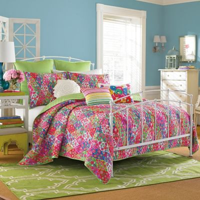 Collier Campbell Paradiso Full/Queen Quilt Set in Pink