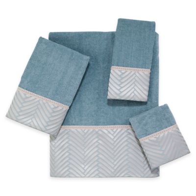 Avanti Interlace Bath Towel in Linen
