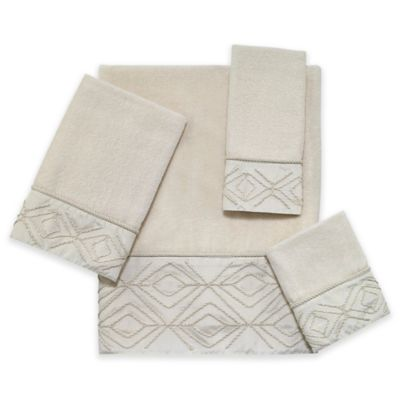 Audrey Bath Towel in Ivory