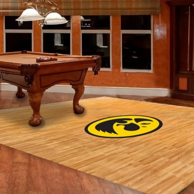 University of Iowa Foam Fan Floor