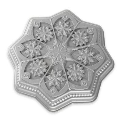 Nordic Ware® Sweet Snowflakes Shortbread Pan