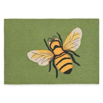Trans-Ocean Front Porch Bee Green 1-Foot 7-Inch x 2-Foot 5-Inch Indoor/Outdoor Rug