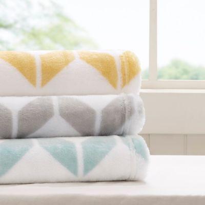 Aqua/White Blankets & Throws