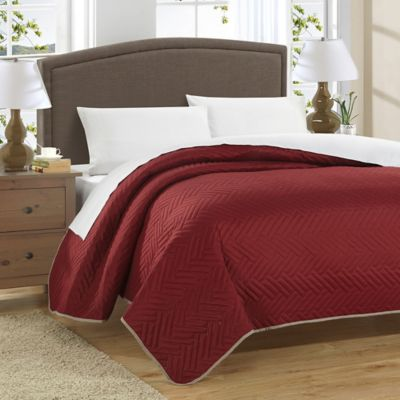 Chic Home Milanese Reversible Queen Quilt in Red