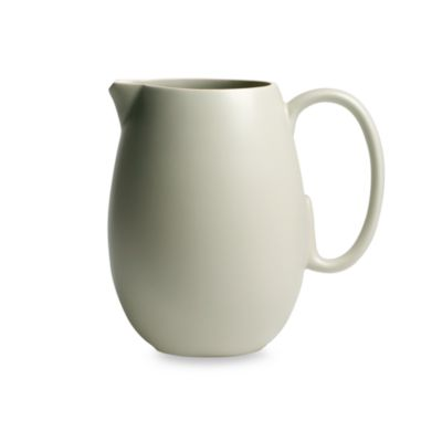 Vera Wang Wedgwood® Leaf 80-Ounce Pitcher