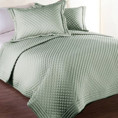 Clean Living Diamond Water/Stain Resistant Twin Quilt in Sage