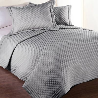 Clean Living Diamond Water/Stain Resistant Twin Quilt in Silver