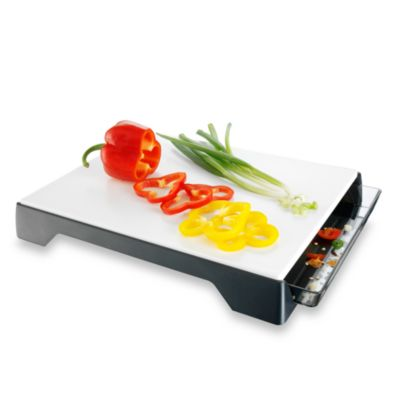 VacuVin® Cutting Board with Tray