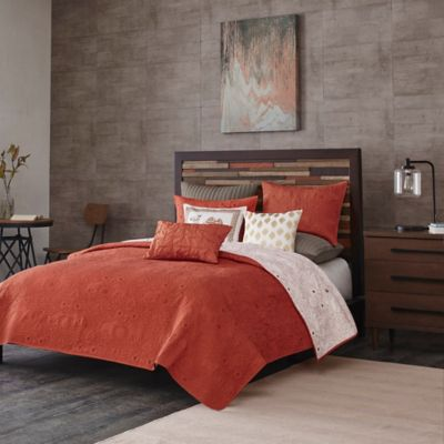 INK+IVY Kandula Reversible Full/Queen Coverlet Set in Coral