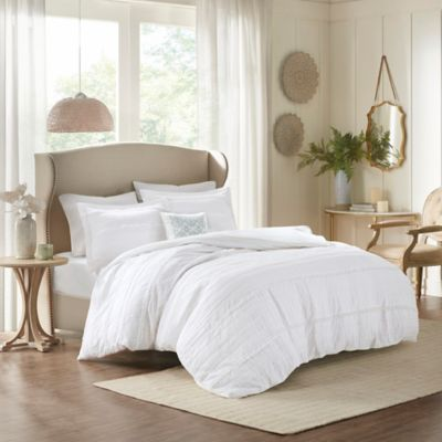 Madison Park Celeste Full/Queen Coverlet Set in White