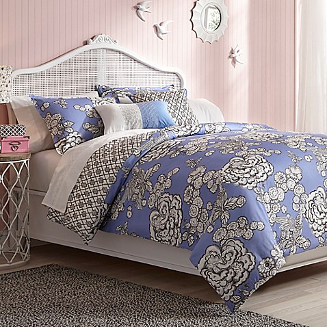 Collier Campbell Hummingbird Toile Reversible Comforter