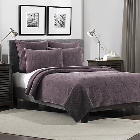 Flat Iron Lynden Velvet Full/Queen Quilt in Purple