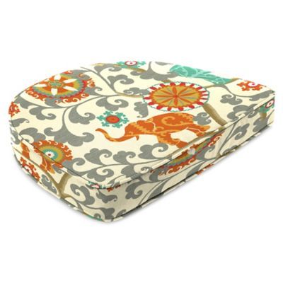 Outdoor Contoured Boxed Seat Cushion in Menagerie Cayenne