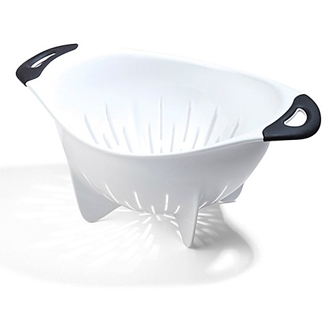OXO Good Grips® 3 1/2-Quart Plastic Colander