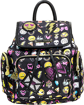 BETSEY CON BACKPACK
