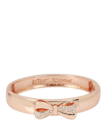 BETSEY GIFTING BOW BANGLE