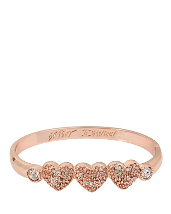 BETSEY GIFTING GOLD HEARTS BANGLE