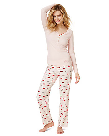 COZY VIXEN FLANNEL PANT SET