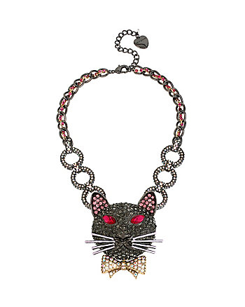 DARK SHADOWS VAMPIRE CAT NECKLACE