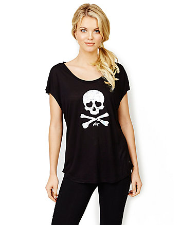 HOLOGRAPH SKULL WEDGE TEE