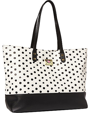 KISS MARKS THE SPOT EAST WEST TOTE