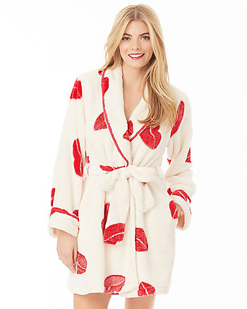 SWEET LIPS LUXE FLEECE ROBE