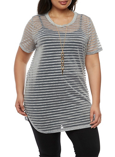 Plus Size Short Sleeve Shadow Stripe Tunic Top with Necklace,GRAY,large