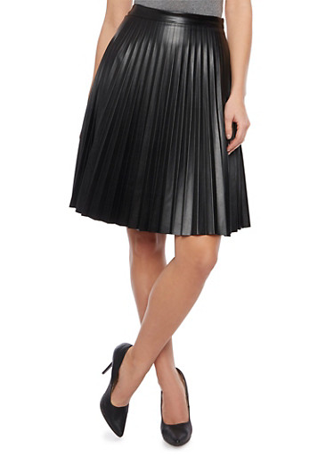 Pleated Skirt in Faux Leather,BLACK,large