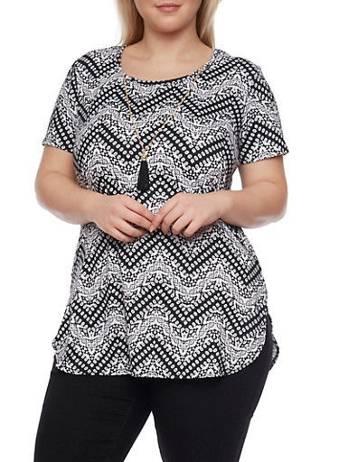 Plus Size Printed Tee with Necklace and Shirttail Hem,BLACK- IVORY,large