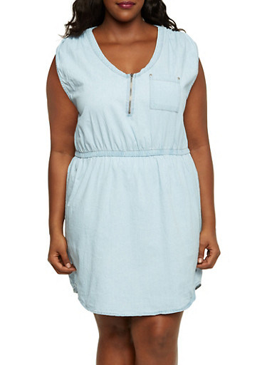 Plus Size Denim Dress with Zip Scoop Neck,LIGHT WASH,large