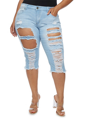 Plus Size VIP Frayed Hem Capri Jeans,LIGHT WASH,large