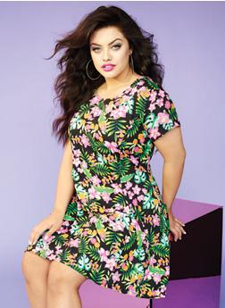 Plus Size Skater Dress in Floral Print - 0390038346807