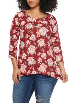 Plus Size Floral Top with Sharkbite Hem and Necklace - 1912072245742