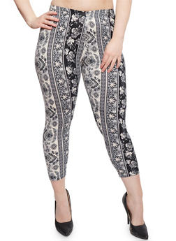 Plus Size Printed Capri Leggings - 1965001446069