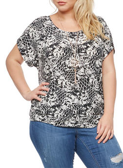 Plus Size Printed Top with Necklace - 3810058759401