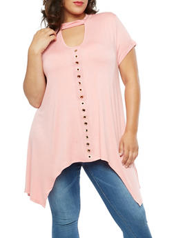 Plus Size Short Sleeve Shark Bite Top with Metal Accents - 3912058759110