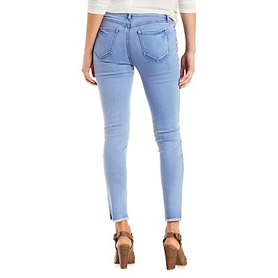 Frayed Cut-Off Skinny Jeans
