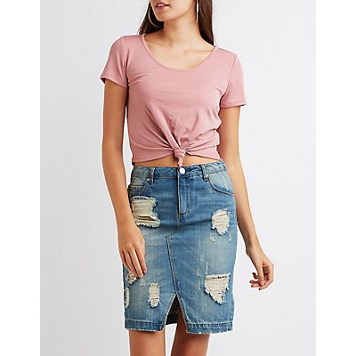 Ribbed Knotted Crop Top