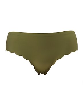 Plus Size Scalloped Cheeky Panties