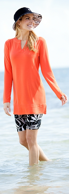 Vera Shores Tunic Outfit at Coolibar