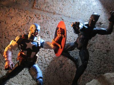 Personaggio snodabile edizione speciale da collezione Pantera Nera