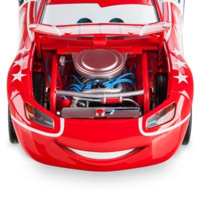 """Vehículo a escala personalizado Disney Pixar Cars The Artist Series, """"El Rayo"""" McQueen 1:18 de Chip Foose"""