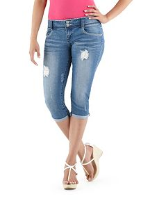 Almost Famous Double Button Roll Cuff Capri Jeans