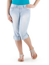 /product/Curvy-Fit-Denim-Capri-with-Embellished-Pocket/156906.uts