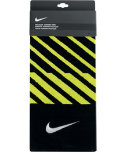 Nike Face/Club Jacquard Towel - Black/Venom Green