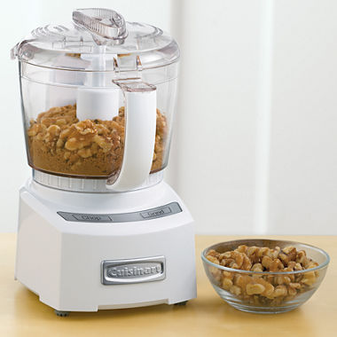 Can you make dough grinding meat in a food processor