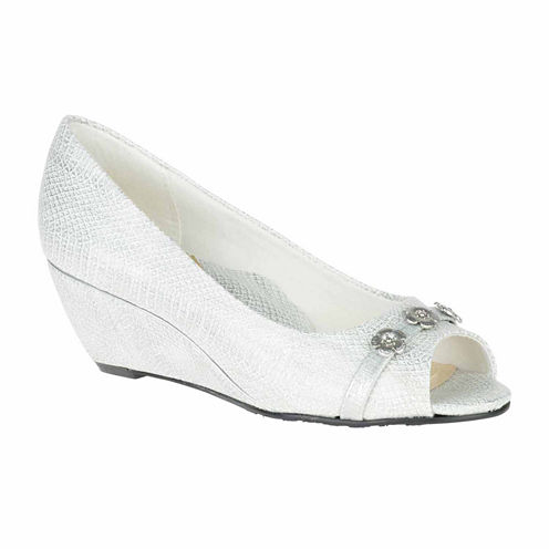 Soft Style by Hush Puppies Adley Womens Slip-On Shoes